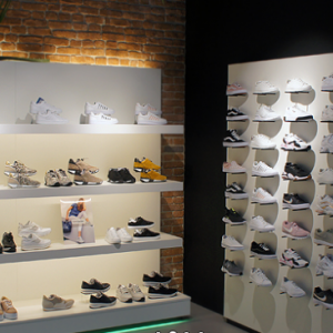 Shoe Plaza